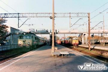 Białystok 10.10.1995. EU07-402, dalej SU45-027.