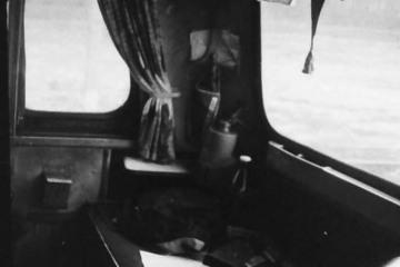 W kabinie ST44 pociągu zbiorowego w kwietniu 1991.