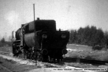 Trakiszki w dniu 03.04.1989. Obrót parowozu Ty2-1252, tutaj dojeżdża do składu w kierunku Suwałk. Foto z filmu super 8