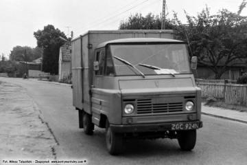 Dąbrówka Wlkp. 01.09.1986, żuk, którym przyjechałem na stopa z Międzyrzecza, należący do Pana Wieczorka ze Zbąszynia.