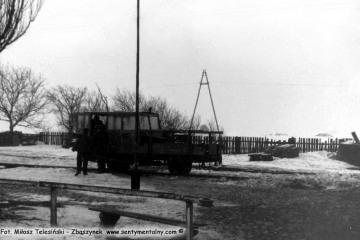 Trzcianka Zachodnia w dniu 04.03.1986. Widoczna drezyna, którą jechaliśmy do Dusznik Wlkp.