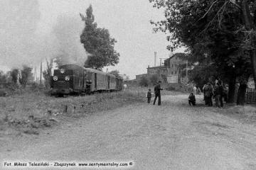 Pociąg specjalny opuszcza Duszniki kierując się na Śliwno - Trzciankę Zachodnią 13.09.1986.