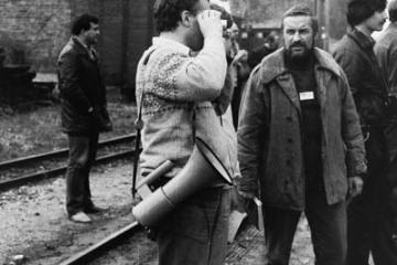 Miłośnicy kolei na stacji Trzcianka Zachodnia podczas przejazdu pociągu specjalnego w dniu 13.09.1986. Na pierwszym planie Maciej Matuszewski, dalej Marek Zbucki.
