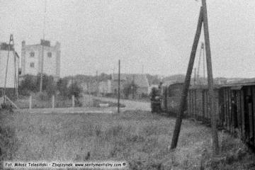 Pociąg specjalny z okazji 100 rocznicy kolejki (przypadającej 23.10.1886) zbliża się do stacji Duszniki Wlkp. w dniu 13.09.1986.