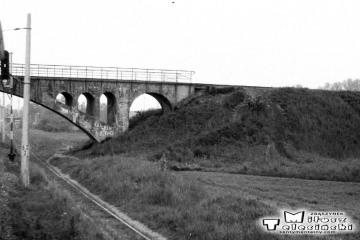 Białogard. Dalej wiadukt wąskotorówki ze Sławoborza w dniu 07.06.1991.