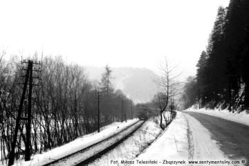 Muszyna w lutym 1986. Pociąg z nowego Sącza.