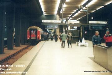 Lubuszanin na Dworcu Centralnym w Warszawie 06.11.2000.