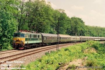 EU07-180 WARSZAWA na odcinku GDAŃSKA - JELONKI w dniu 06.06.1991.