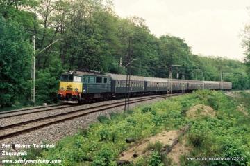 EU07-411 na odcinku WARSZAWA GDAŃSKA - JELONKI w dniu 06.06.1991.
