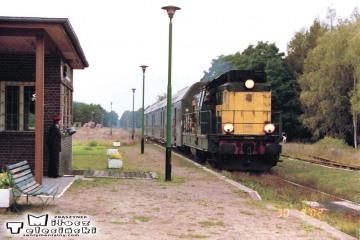 Lutol Suchy 30.09.2002. Osobowy Zbąszynek - Gorzów Wlkp., kierownik pociągu Pan Taler.