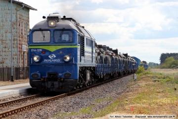 Chociszewo Rogoziniec ST44 - 1206 w dniu 05.05.2019. Transport wojskowy w stronę Międzyrzecza, do celowo do Trzemeszna.