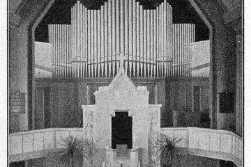 W kościele ewangelickim (dużym) w 1931 roku. Organy nad ołtarzem, przeniesione zaraz po wojnie, gdy świątynia pełniła już służyła katolikom.