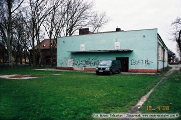 Podwórko domu kultury. 18.04.2008
