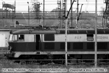 ET22-346 obok nastawni ZK-2. 11.05.1986.