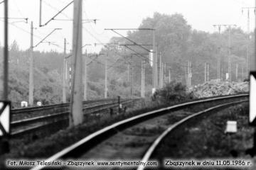 Po prawej tor w stronę Czerwieńska w dniu 11.05.1986.