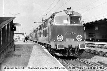 Lokomotywy luzem do Rzepina SP45 - 039 + 226 w dniu 25.07.1986.