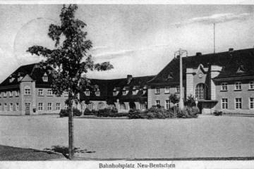 Plac Dworcowy około 1940 roku.
