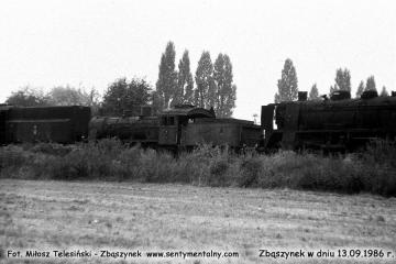 """13.09.1986. Odstawiony na zapomnienie na bocznych torach dworca towarowego w Zbąszynku, na nie czynnym """"trójkącie"""" do obracania parowozów."""