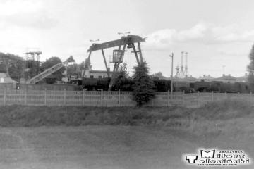 Suwałki w dniu 14.09.1990. Widok w stronę lokomotywowni z pociągu do Trakiszek.