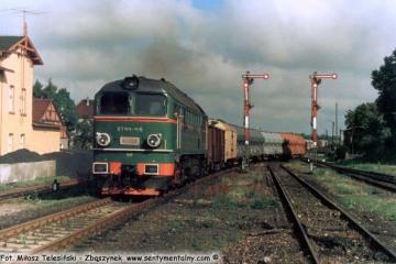 Janowiec Wlkp. 09.09.1988, ST44-415.