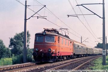"""Zbąszynek. EP05-28 z """"Beroliną"""" z Warszawy w dniu 17.07.1988"""