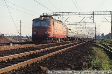 """Zbąszynek. EP05-29 z """"Beroliną"""" latem w 1987 roku."""