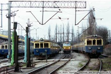 Poznań 19.04.1994 Po lewej 1030, po prawej 630. ET22-1182