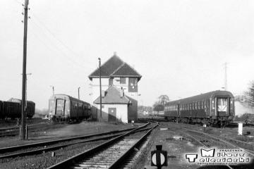 Gorzów Wlkp. w maju 1991. Perony nadwarciańskie od strony dworca towarowego.