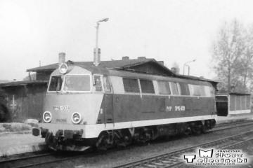 Gorzów Wlkp w dniu 30.04.1991. SP45-039 najeżdża na skład do Poznania.