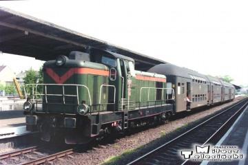 Gorzów Wlkp. SP42-x13 z osobowym 11133 do Kostrzynia w lecie 1991.