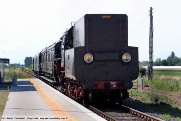 Pociąg specjalny Wolsztyn - Międzyrzecz, mija stację Chociszewo Rogoziniec w dniu 23.06.2019