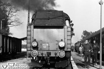 Krzyżowanie na stacji Wierzbno 03.10.1987. Tkt48-28 od pociągu specjalnego Zbąszynek - Międzyrzecz - Wierzbno - Międzychód - Wierzbno - Skwierzyna - Wierzbno - Międzyrzecz - Zbaszynek.