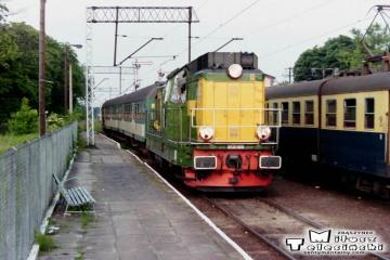 SP32-091 przyprowadziła wieczorny pociąg z Międzyrzecza do Rzepina w dniu 11.06.1994.