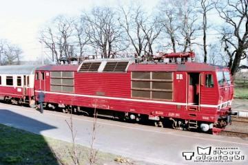 """Rzepin 19.04.1994. 180 019 - 2 od EC """"Berolina"""" z Berlina do Warszawy."""