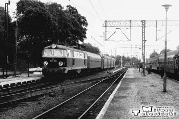 Rzepin w dniu 08.09.1986. ET22-590 (MD Szczecin) z Zielonej Góry do Szczecina.