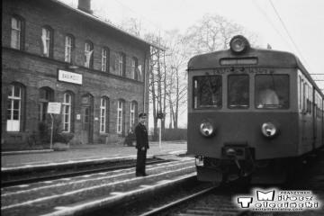 Babimost w dniu 13.12.1986. Pierwszy pociąg elektryczny do Czerwieńska.