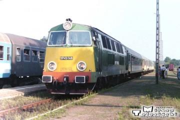 Włoszakowice 23.08.1994. Osobowy Leszno - Zbąszynek, po lewej do Leszna.