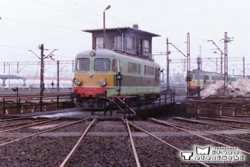 Leszno - lokomotywownia w dniu 08.03.1988. ST43-18