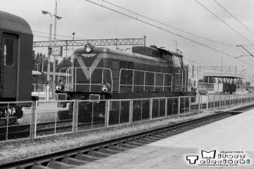 Chełm 31.05.1991. SP42-079 dołącza do składu w kierunku Włodawy.