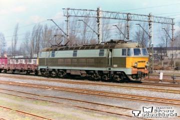 Ostrzeszów 12.03.1990. ET22-081 z Poznania.