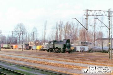 Tkt48-117 podczas manewrów w Ostrzeszowie 12.03.1990.