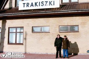 Trakiszki 23.02.1995. Ja po lewej, poo prawej na zdjęciu były zawiadowca stacji Pan Czesław Puczyłowski.