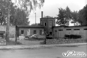 Gołdap 14.09.1989. Widok obok nastawni dysponującej od strony ulicy.