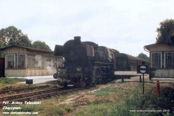 Ty2-126 z osobowym do Kętrzyna w Węgorzewie w dniu 13.09.1990.