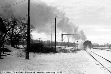 Płonica - Bolemin 11.03.1987. oddalający się pociąg z Gorzowa w stronę Rudnicy.