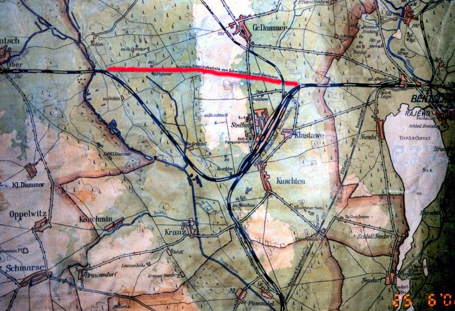 Mapka z 1930 roku. Widzimy świeżo wyłączone z eksploatacji stare tory. Tymczasowy odcinek toru do Międzyrzecza, czynny do lata 1930, już jest zapomniany.