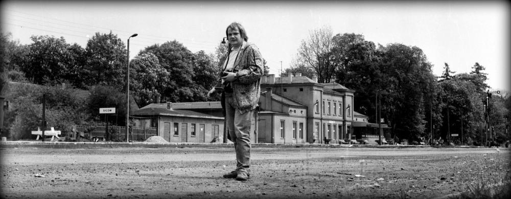 Ostatni raz w Sycowie, gdy kończyły się już czasy świetności tych terenów, odczuwało się już pożegnalny nastrój i ginącą kolej tych terenów. Foto z dnia 11.10.1990.