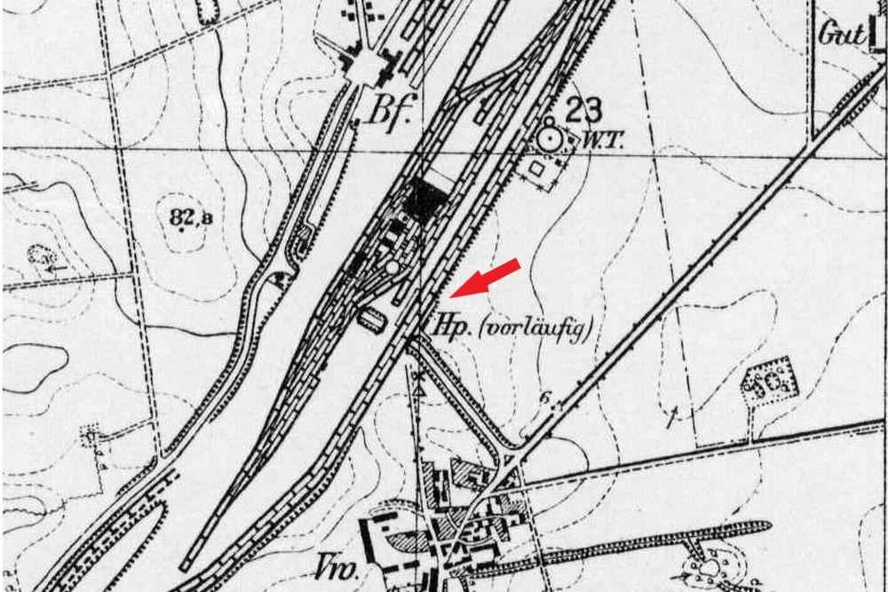Przystanek tymczasowy na dworcu towarowym, gwarantujący dojazd podróżnym w kierunku Guben (Babimostu), czynny w latach 1923 - 1930. W 1930 oddano dworzec osobowy, a o tymczasowych przystankach zapomniano.